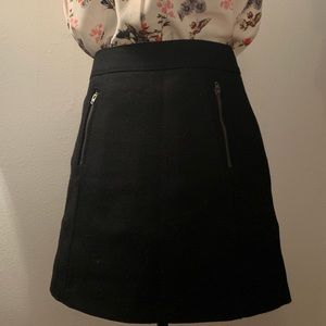 Gap Wool black mini skirt with front zip pockets
